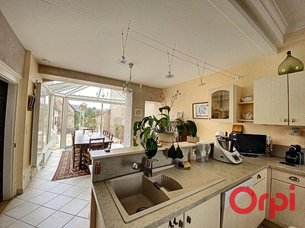 Maison à vendre 7 241m2 à Saint-Amand-Montrond vignette-4