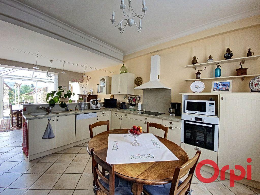 Maison à vendre 7 241m2 à Saint-Amand-Montrond vignette-5