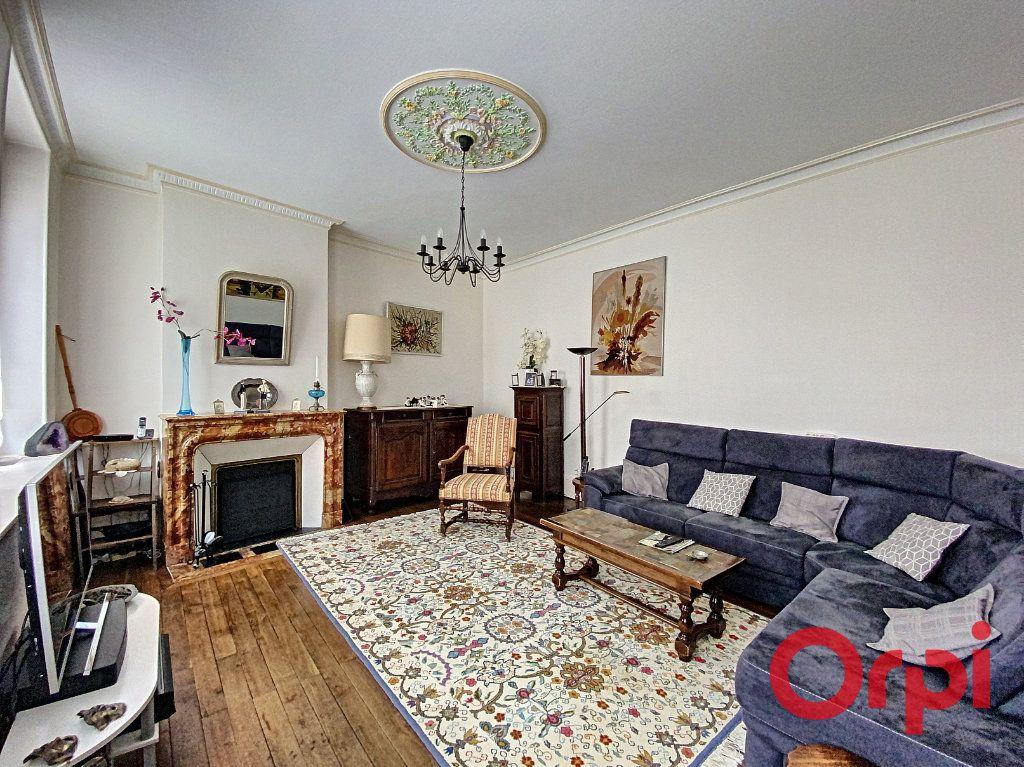 Maison à vendre 7 241m2 à Saint-Amand-Montrond vignette-6