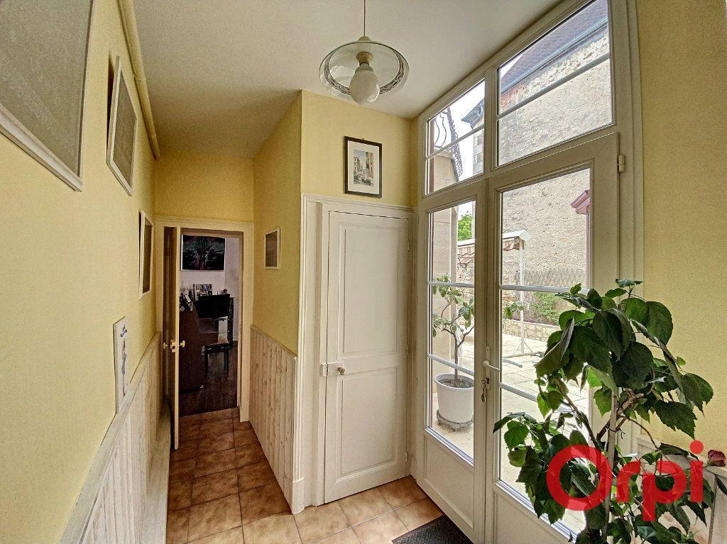 Maison à vendre 7 241m2 à Saint-Amand-Montrond vignette-7