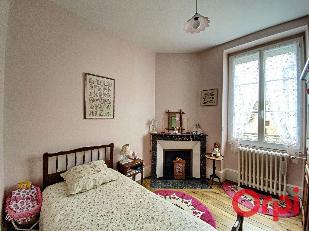 Maison à vendre 7 241m2 à Saint-Amand-Montrond vignette-10