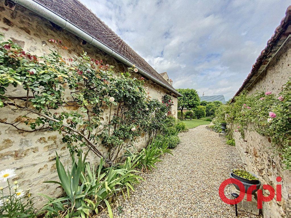 Maison à vendre 7 241m2 à Saint-Amand-Montrond vignette-13