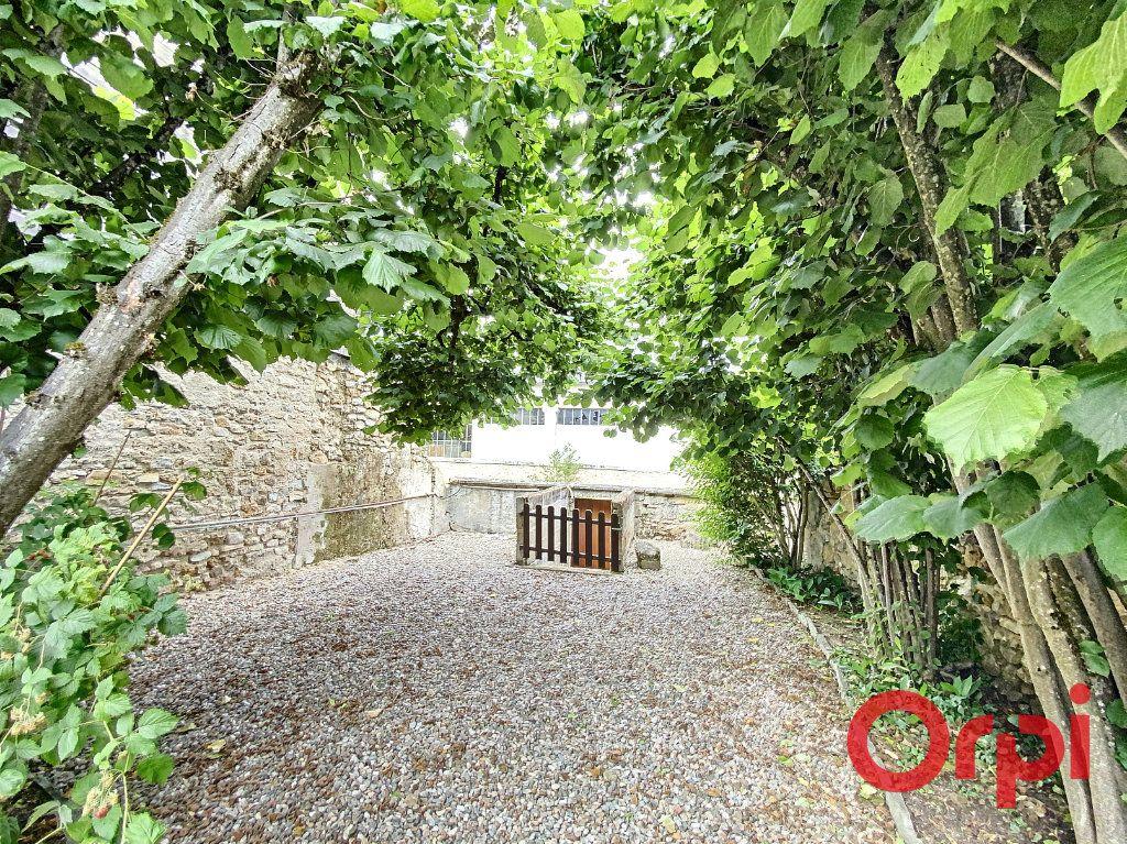 Maison à vendre 7 241m2 à Saint-Amand-Montrond vignette-14