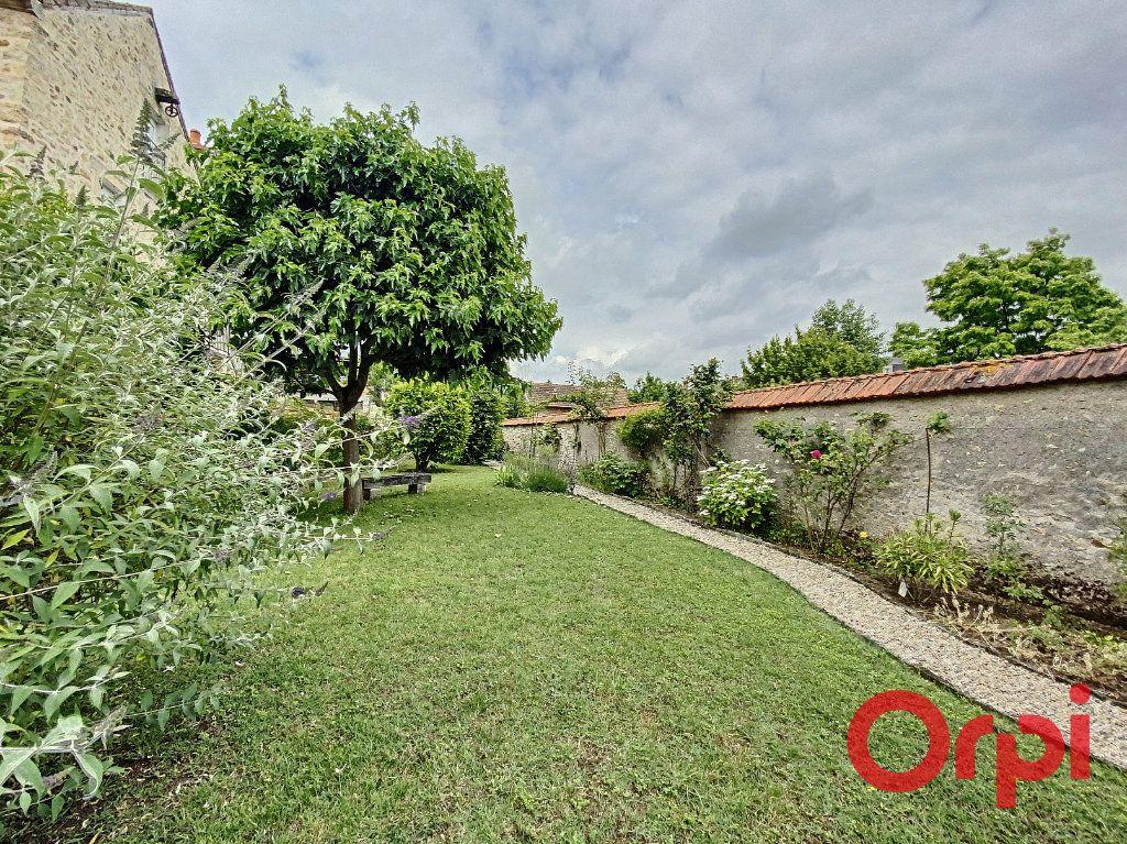 Maison à vendre 7 241m2 à Saint-Amand-Montrond vignette-15