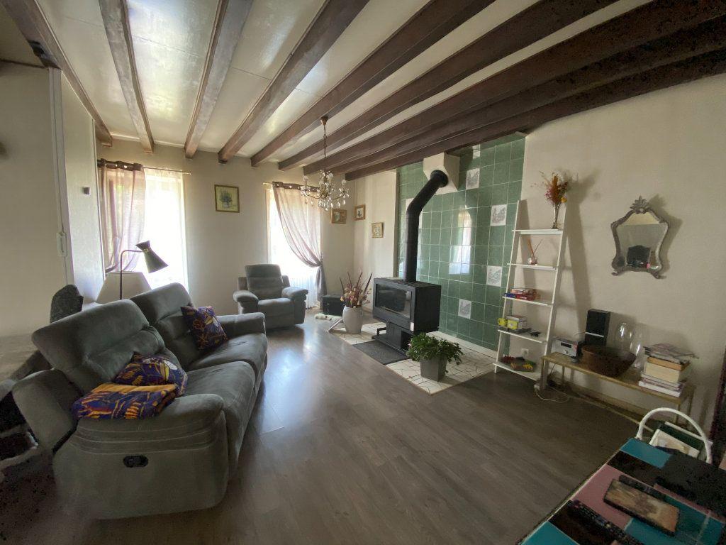 Maison à vendre 4 133m2 à Charenton-du-Cher vignette-4