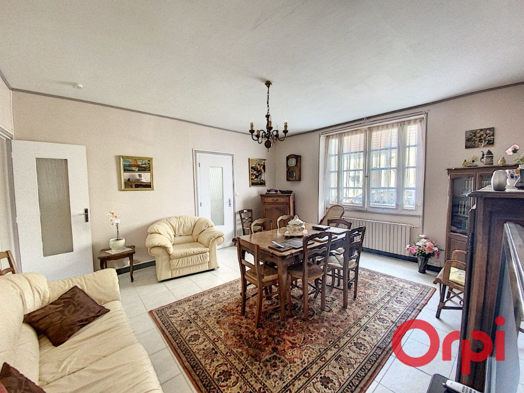 Maison à vendre 4 100m2 à Saint-Amand-Montrond vignette-3