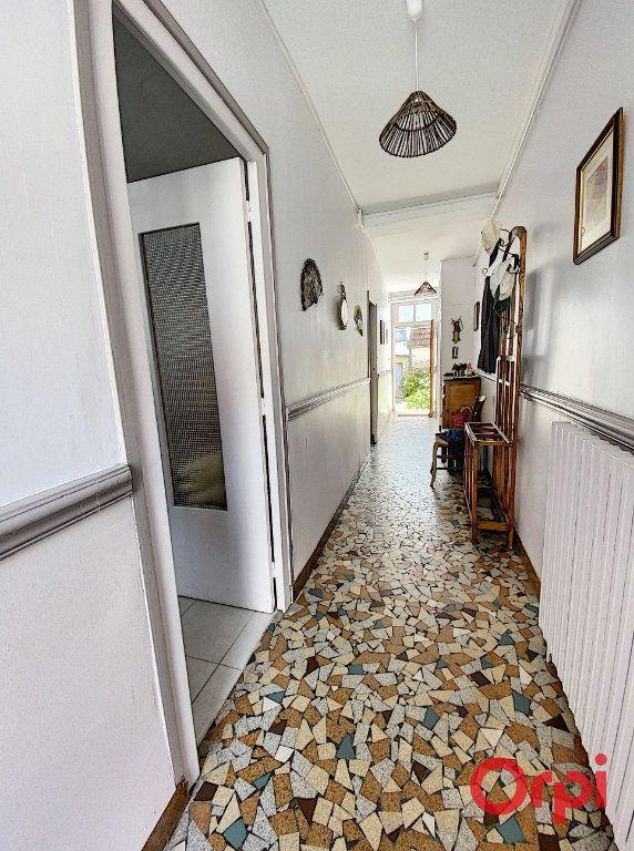 Maison à vendre 4 100m2 à Saint-Amand-Montrond vignette-4
