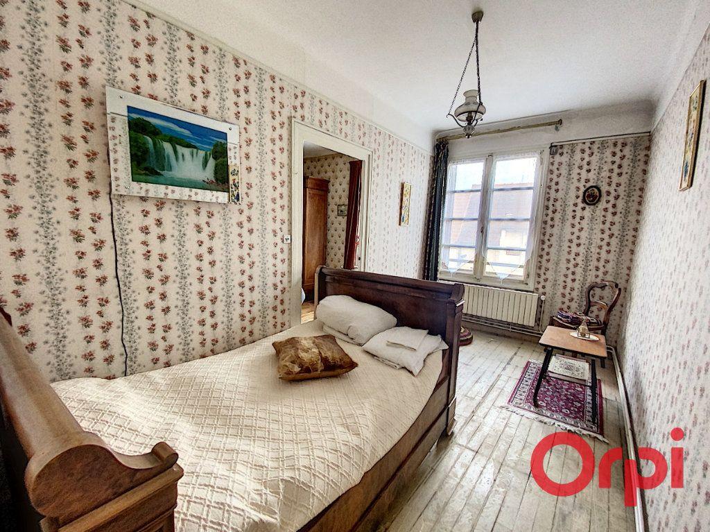 Maison à vendre 4 100m2 à Saint-Amand-Montrond vignette-7