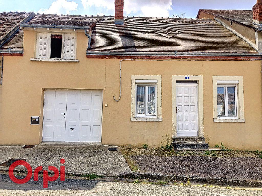 Maison à vendre 4 130.53m2 à Ainay-le-Château vignette-1