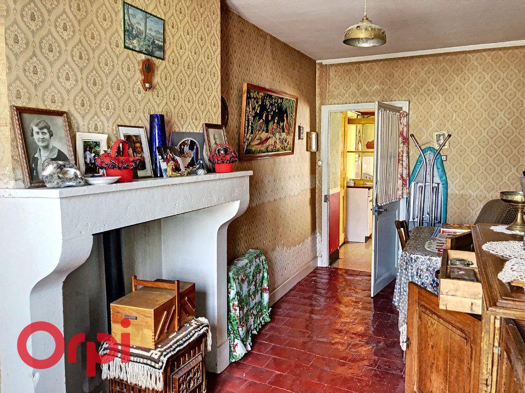 Maison à vendre 4 130.53m2 à Ainay-le-Château vignette-3