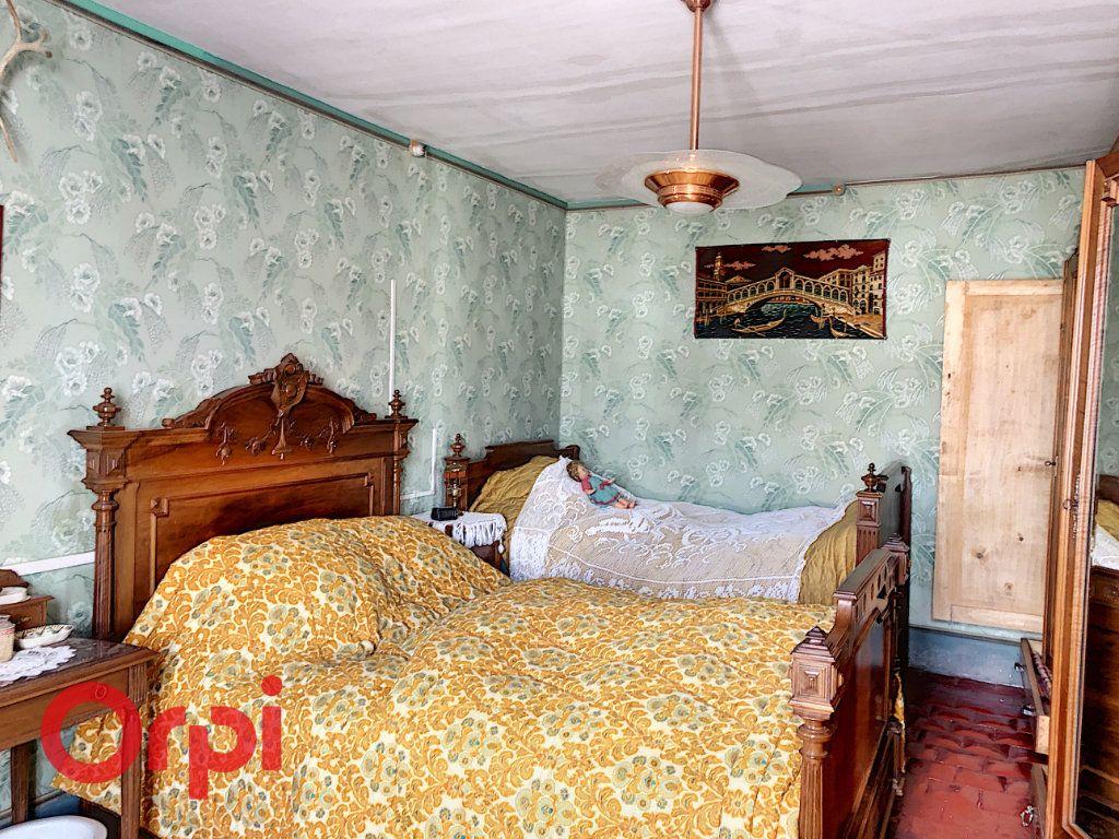 Maison à vendre 4 130.53m2 à Ainay-le-Château vignette-5