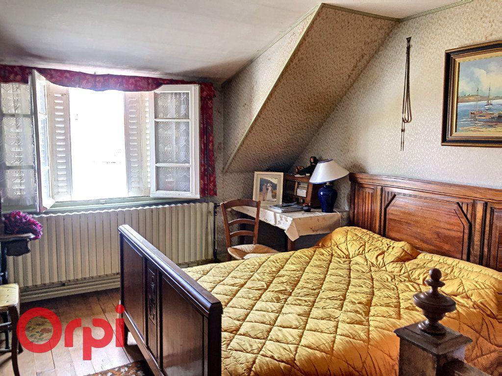 Maison à vendre 4 130.53m2 à Ainay-le-Château vignette-9