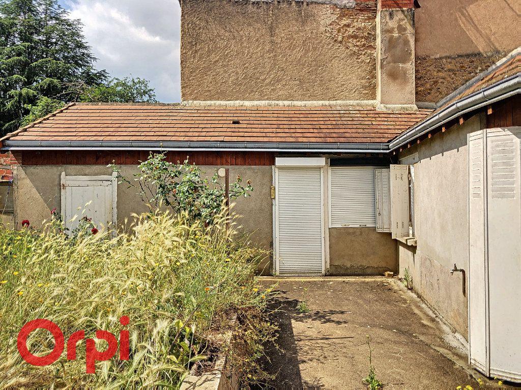 Maison à vendre 4 130.53m2 à Ainay-le-Château vignette-11