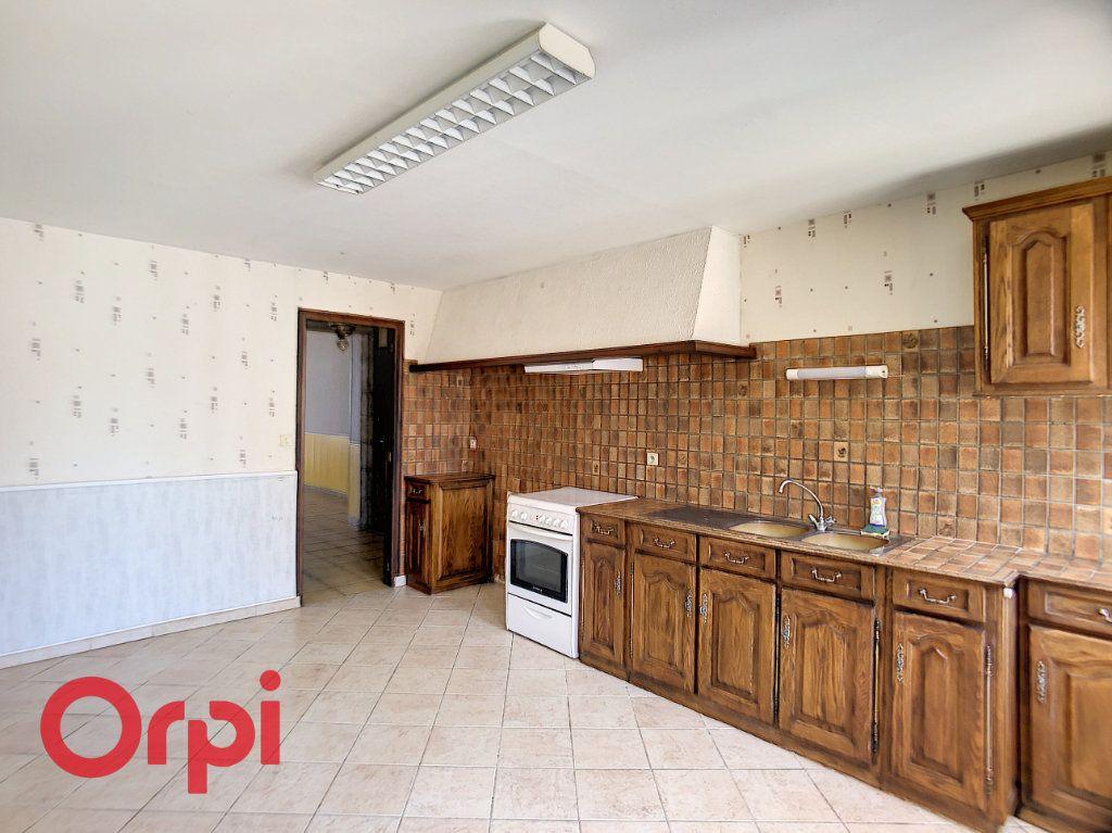 Maison à vendre 5 116m2 à Bessais-le-Fromental vignette-5