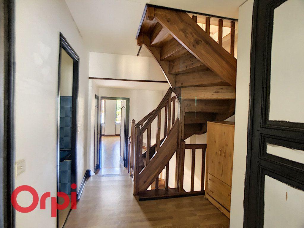 Maison à vendre 5 116m2 à Bessais-le-Fromental vignette-8