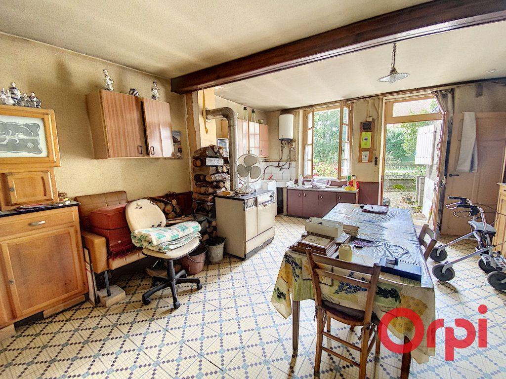 Maison à vendre 3 75m2 à Ainay-le-Vieil vignette-2