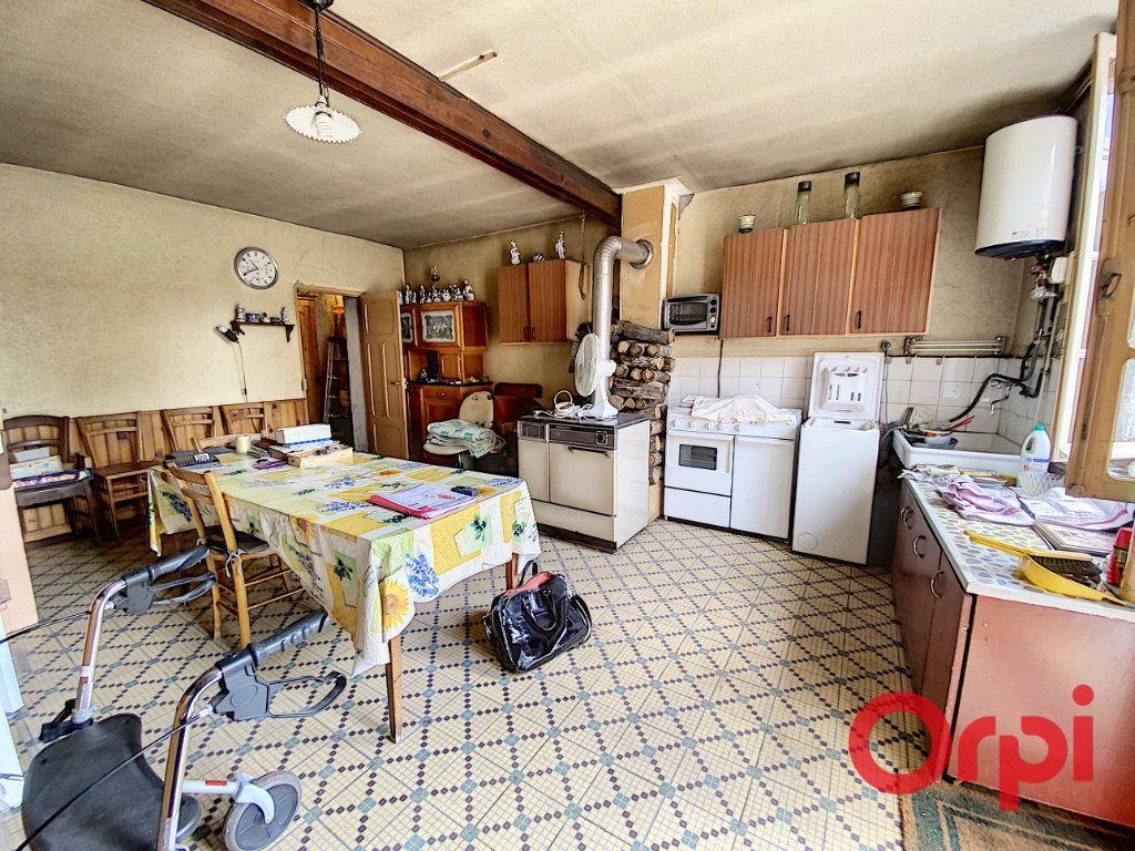 Maison à vendre 3 75m2 à Ainay-le-Vieil vignette-3