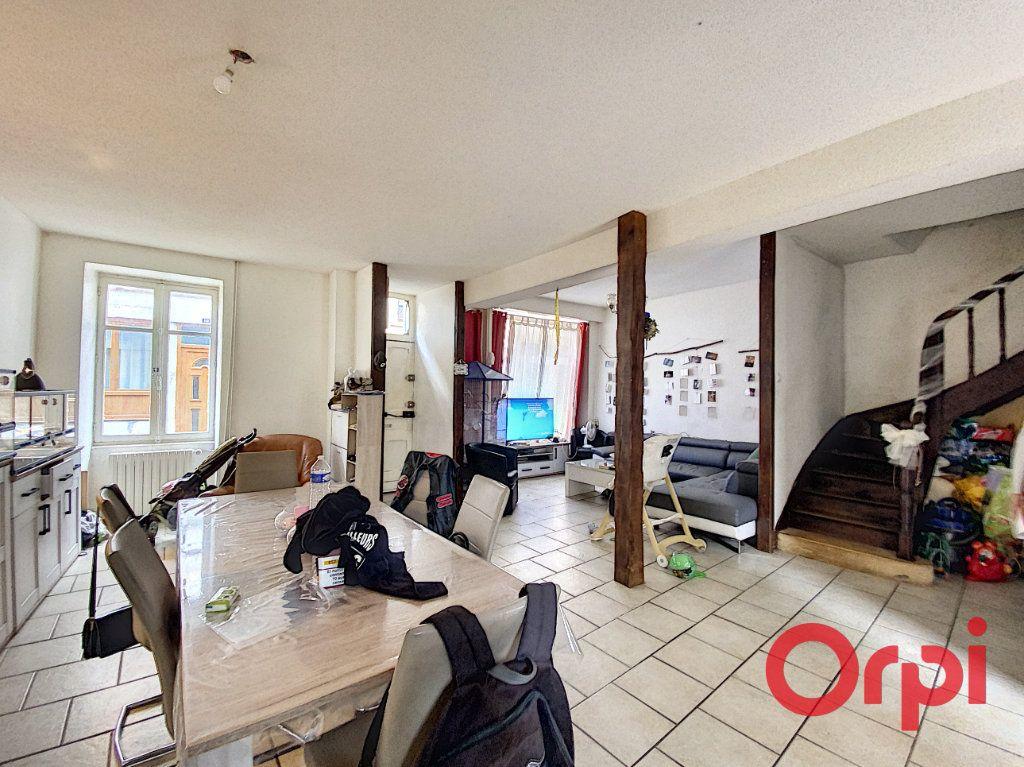 Maison à vendre 4 108.3m2 à Ainay-le-Château vignette-1