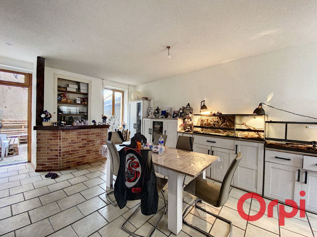 Maison à vendre 4 108.3m2 à Ainay-le-Château vignette-3