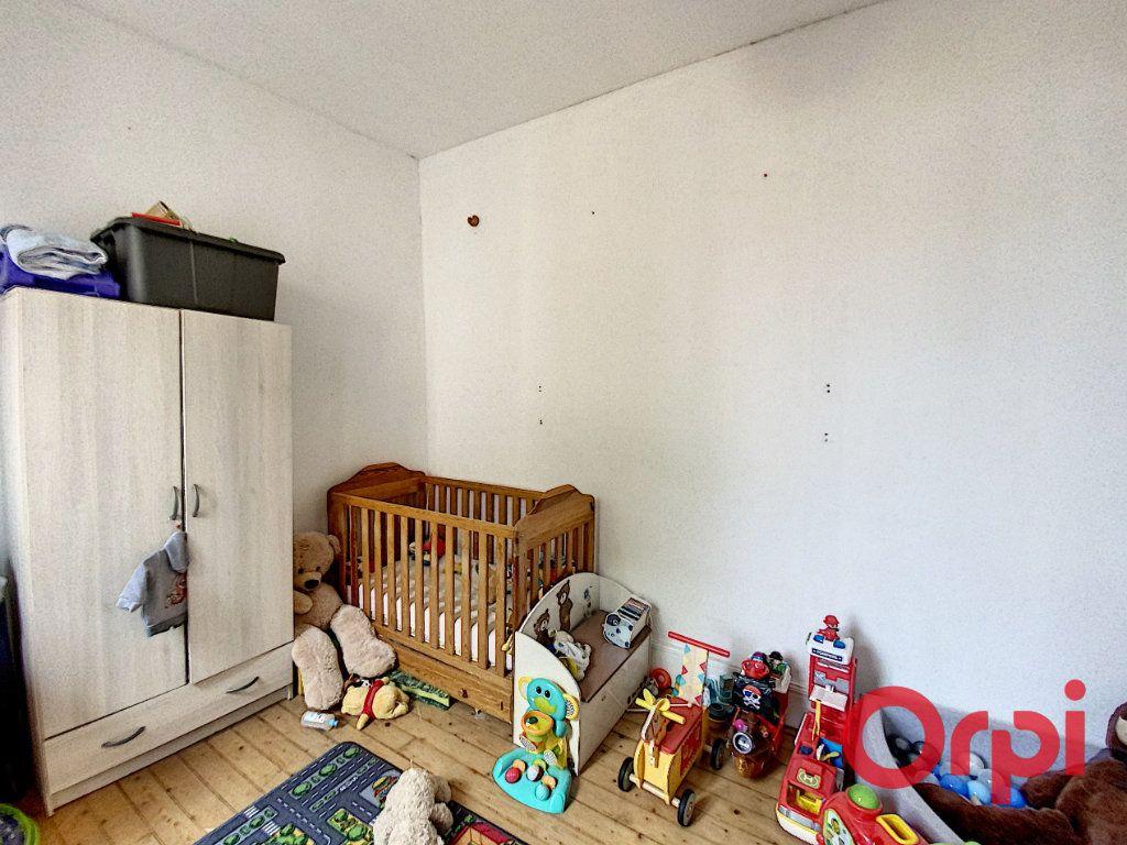 Maison à vendre 4 108.3m2 à Ainay-le-Château vignette-5