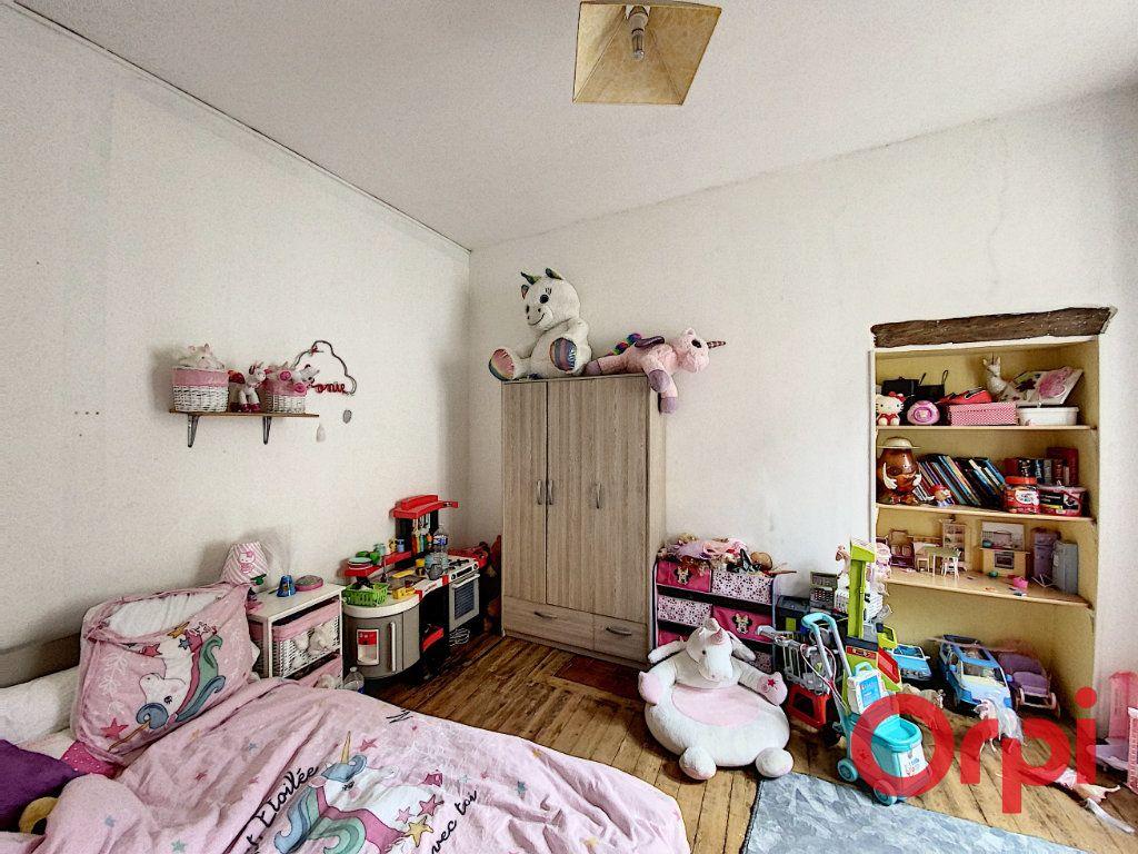 Maison à vendre 4 108.3m2 à Ainay-le-Château vignette-6