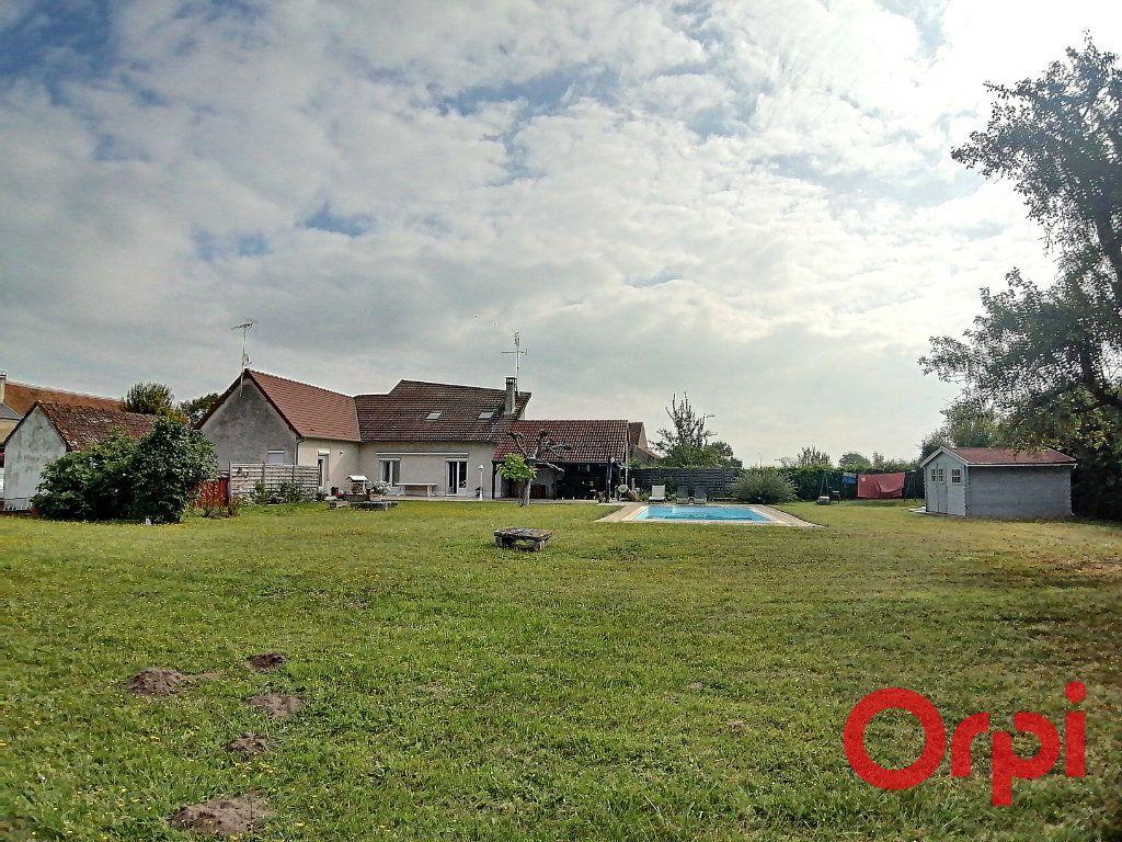 Maison à vendre 6 173m2 à Charenton-du-Cher vignette-3