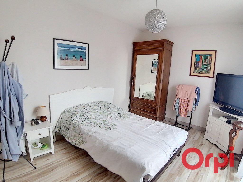 Maison à vendre 6 173m2 à Charenton-du-Cher vignette-5