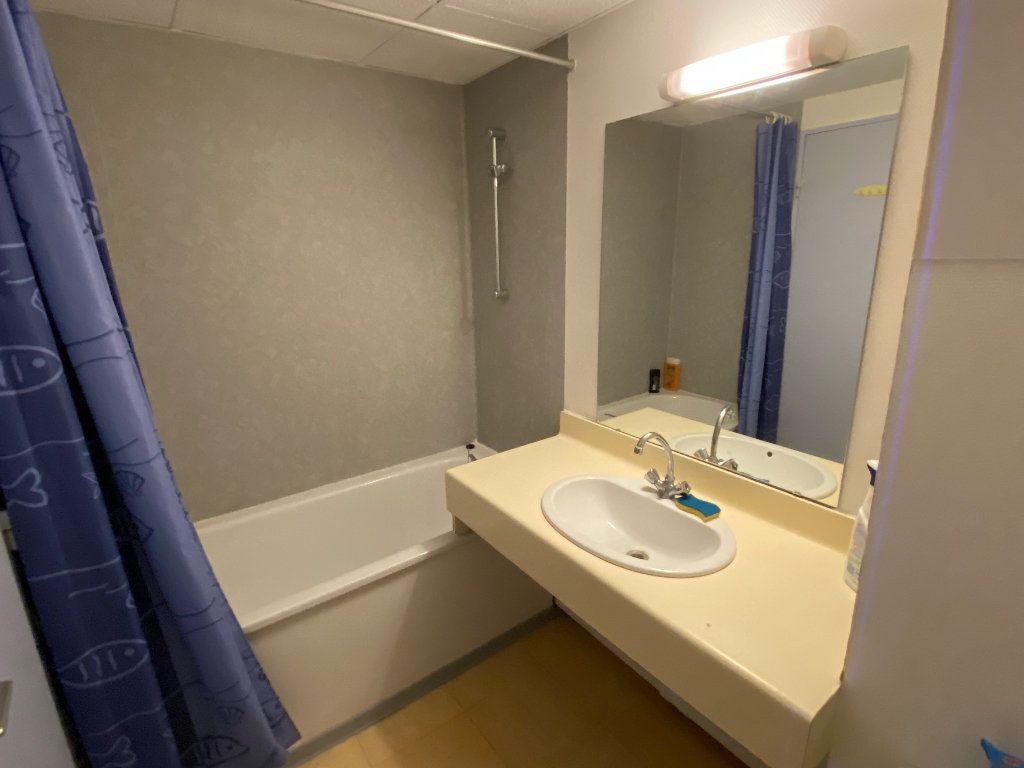 Appartement à louer 1 25m2 à Montpellier vignette-3