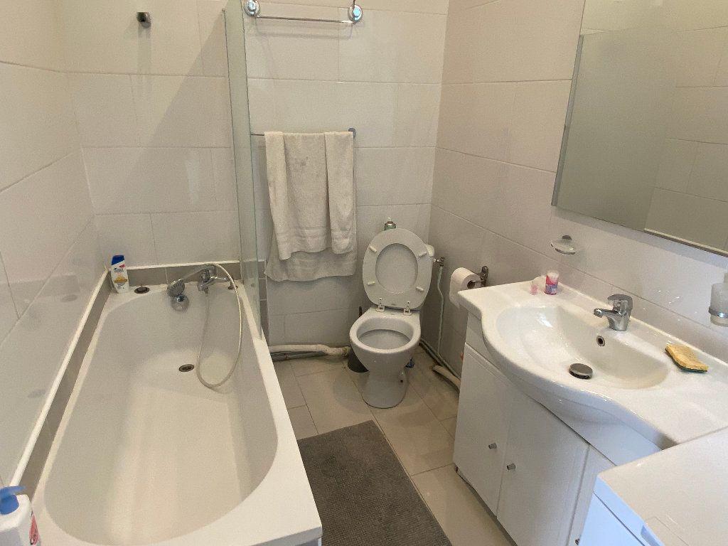 Appartement à louer 4 68m2 à Montpellier vignette-5