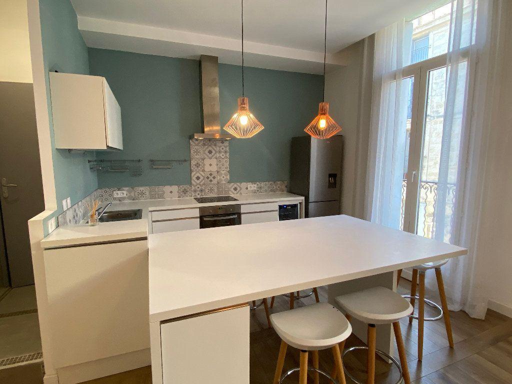 Appartement à louer 2 53m2 à Montpellier vignette-2