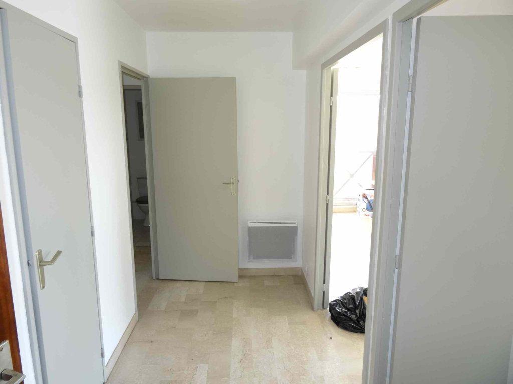 Appartement à louer 3 79m2 à Montpellier vignette-2