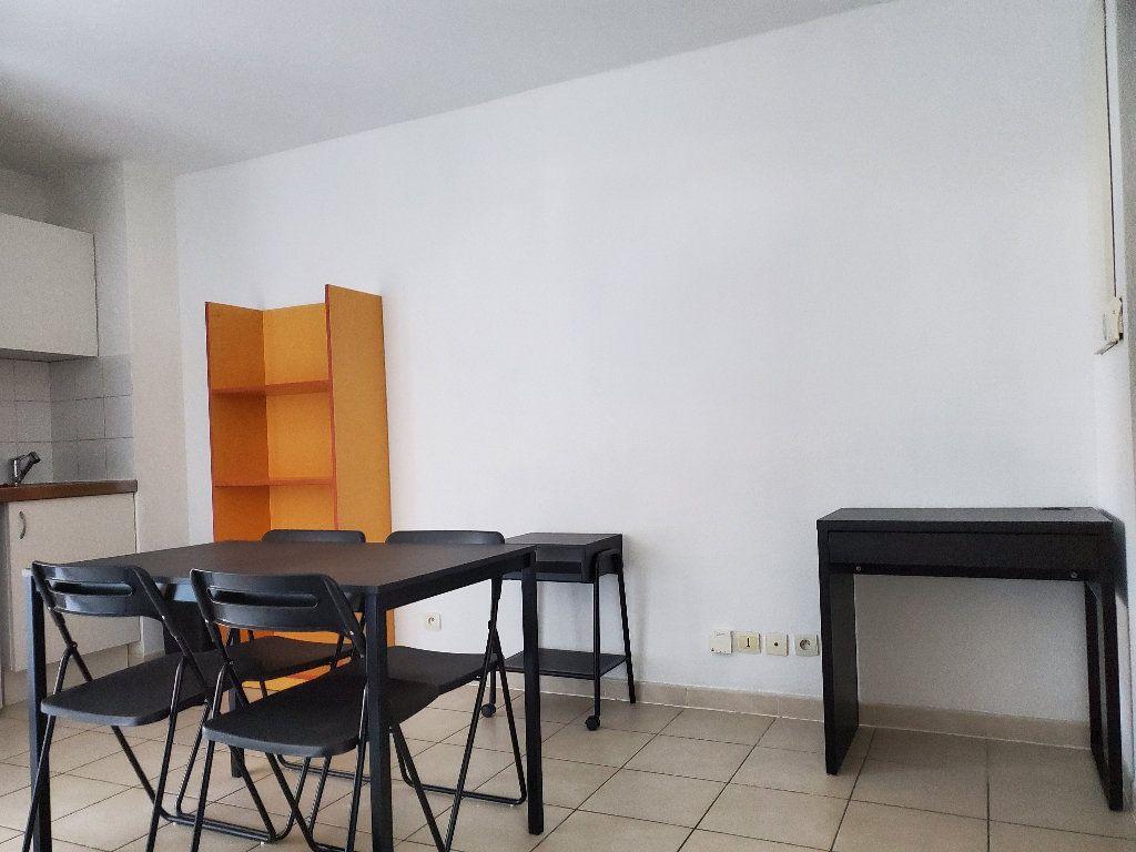 Appartement à louer 1 19.5m2 à Montpellier vignette-1