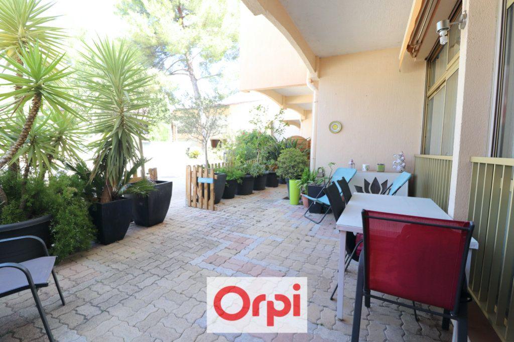 Appartement à vendre 3 69m2 à Sanary-sur-Mer vignette-3