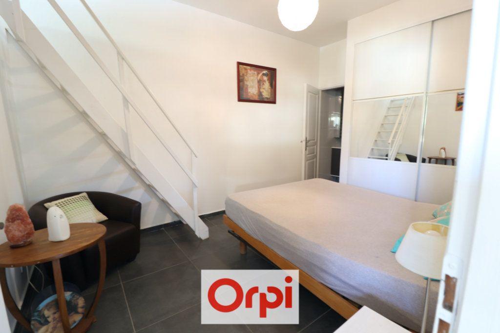 Appartement à vendre 3 69m2 à Sanary-sur-Mer vignette-5