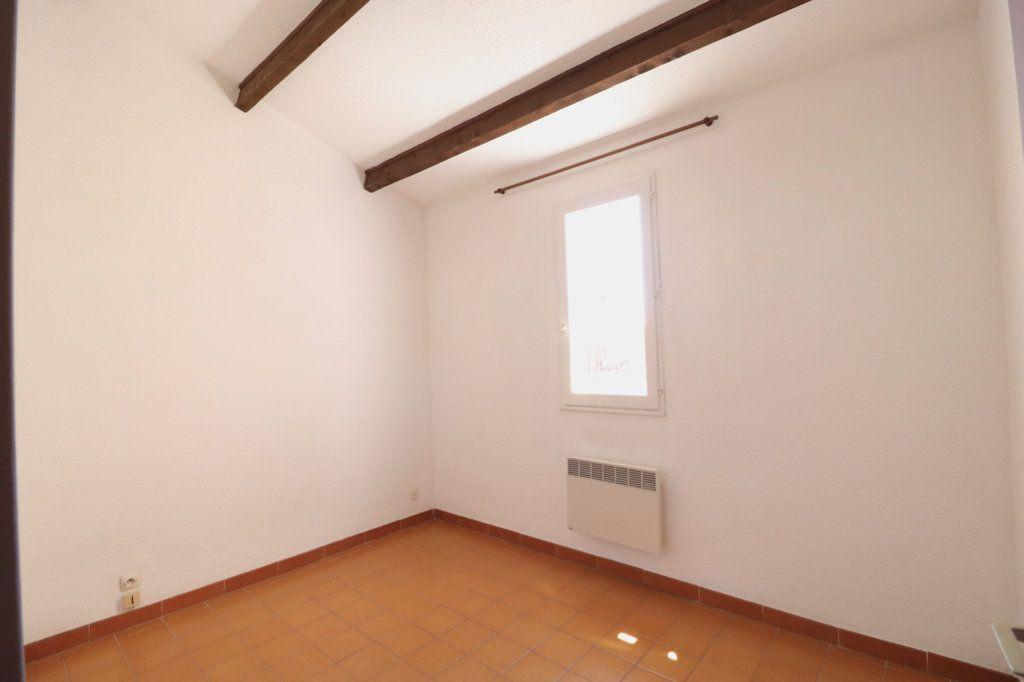 Appartement à vendre 3 50m2 à Saint-Cyr-sur-Mer vignette-6
