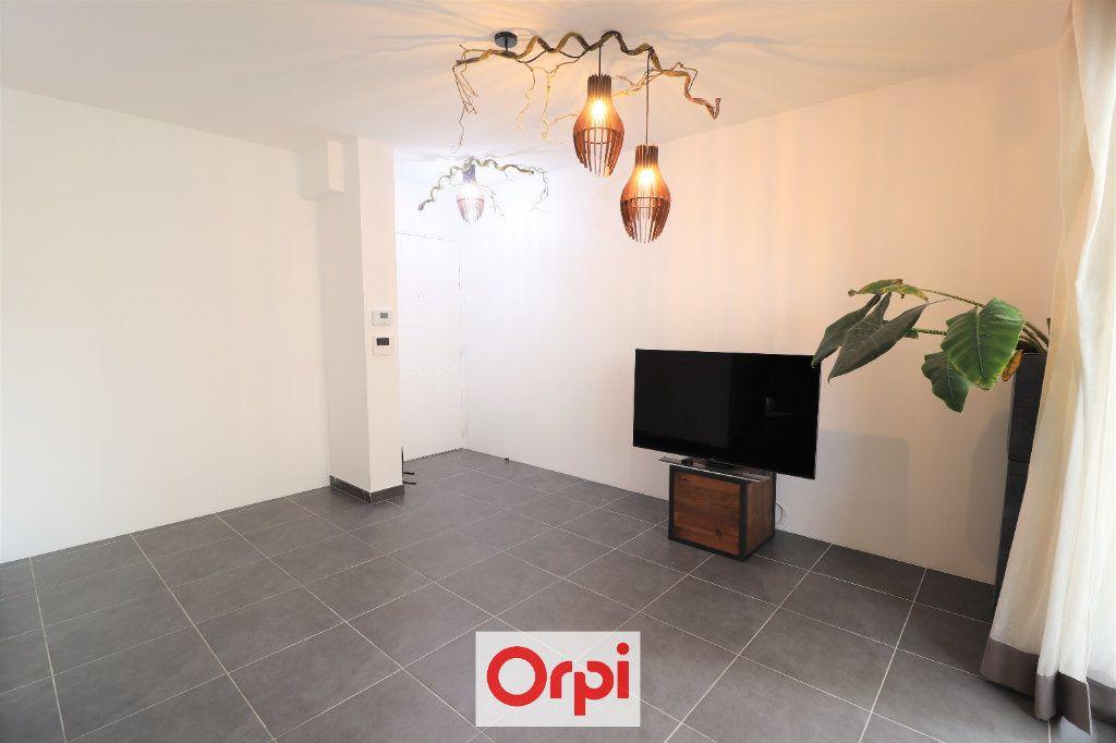 Appartement à vendre 3 55.84m2 à La Seyne-sur-Mer vignette-2