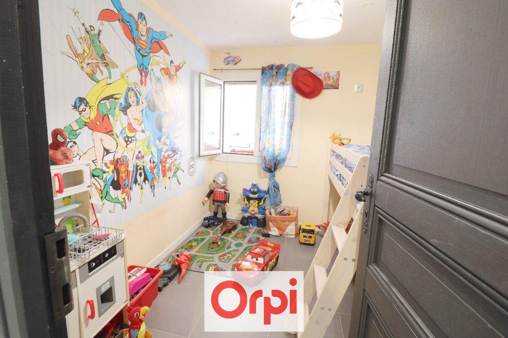 Maison à vendre 4 89m2 à Cuges-les-Pins vignette-4