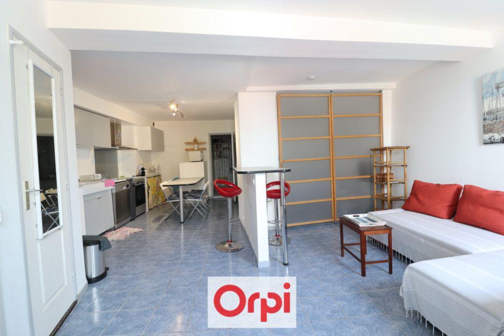 Appartement à vendre 3 56m2 à La Ciotat vignette-1