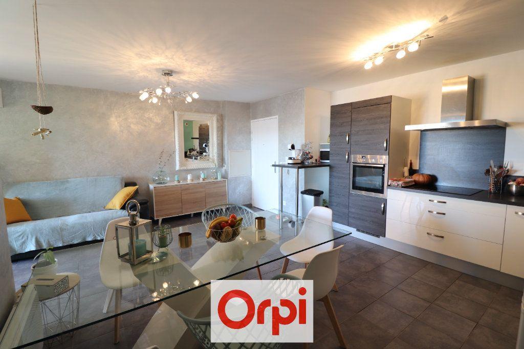 Appartement à vendre 3 60.29m2 à Marseille 10 vignette-2