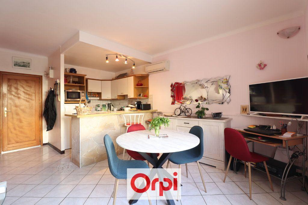 Appartement à vendre 2 49m2 à La Ciotat vignette-3