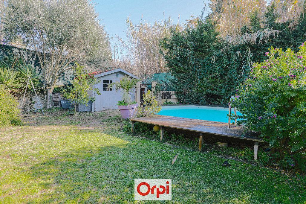 Maison à vendre 4 111.54m2 à Saint-Cyr-sur-Mer vignette-18