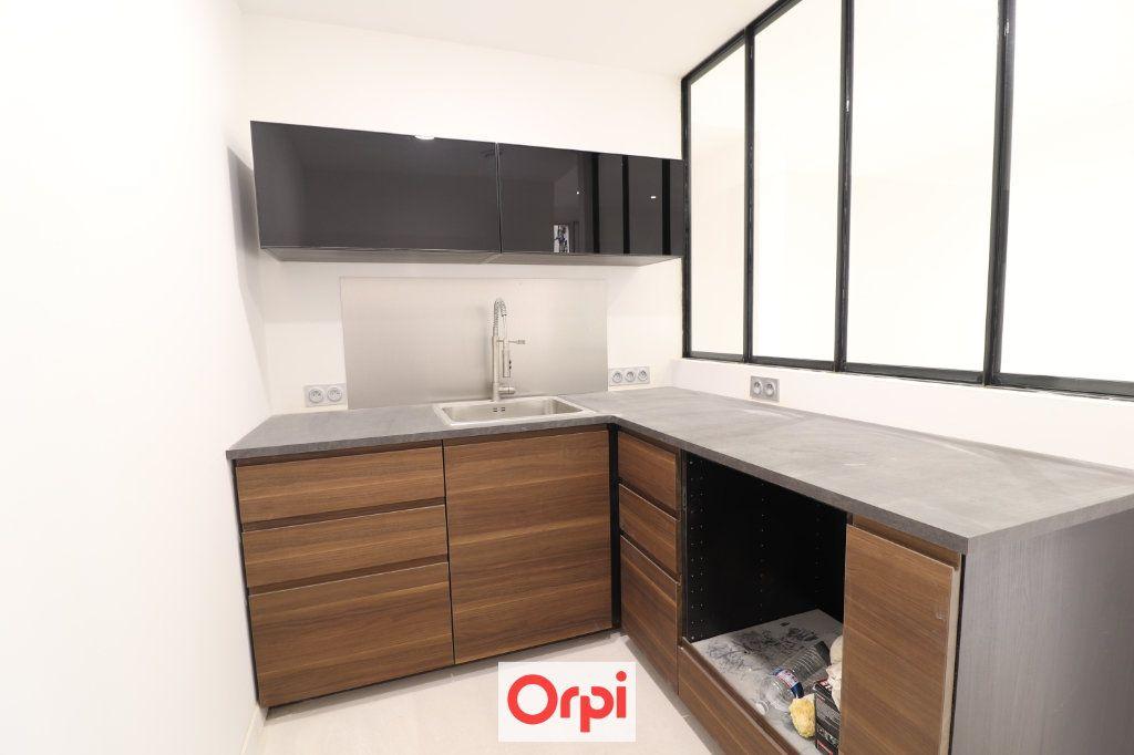 Appartement à vendre 3 54.05m2 à La Ciotat vignette-2