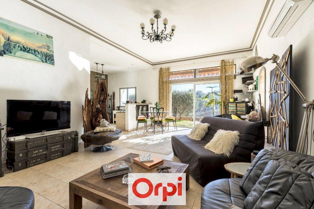 Maison à vendre 9 367m2 à Aubagne vignette-10