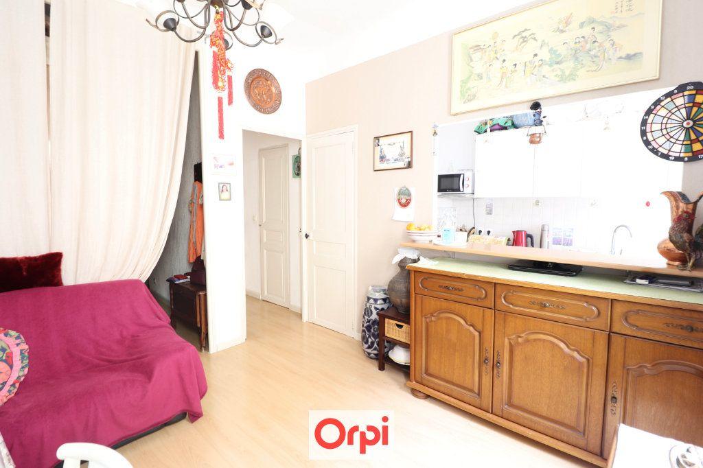 Appartement à vendre 2 38.2m2 à La Ciotat vignette-2