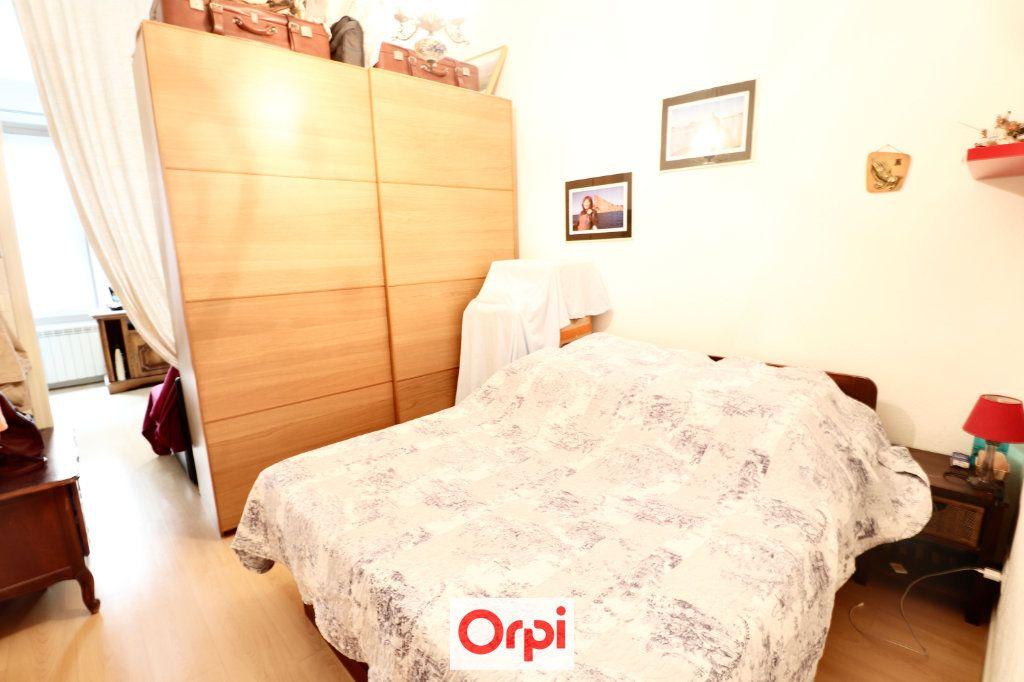 Appartement à vendre 2 38.2m2 à La Ciotat vignette-5