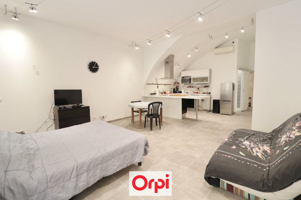 Appartement à vendre 3 72m2 à La Ciotat vignette-2