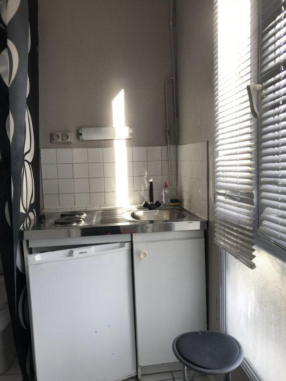 Appartement à louer 1 14m2 à Paris 14 vignette-2