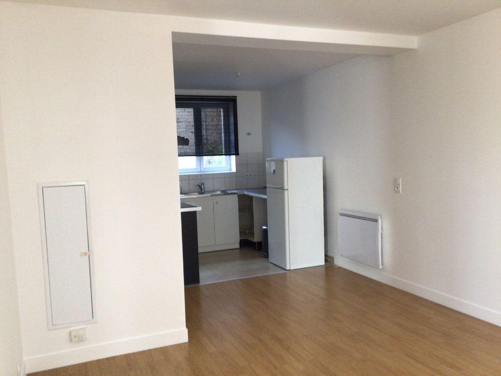 Appartement à louer 2 43m2 à Paris 14 vignette-4