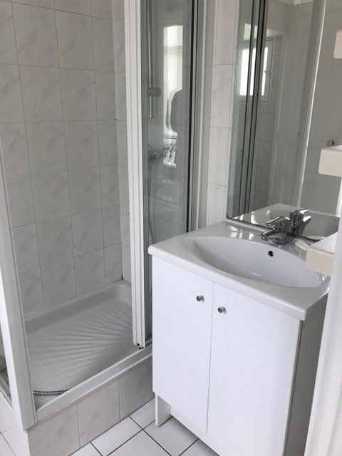 Appartement à louer 2 33m2 à Paris 14 vignette-4
