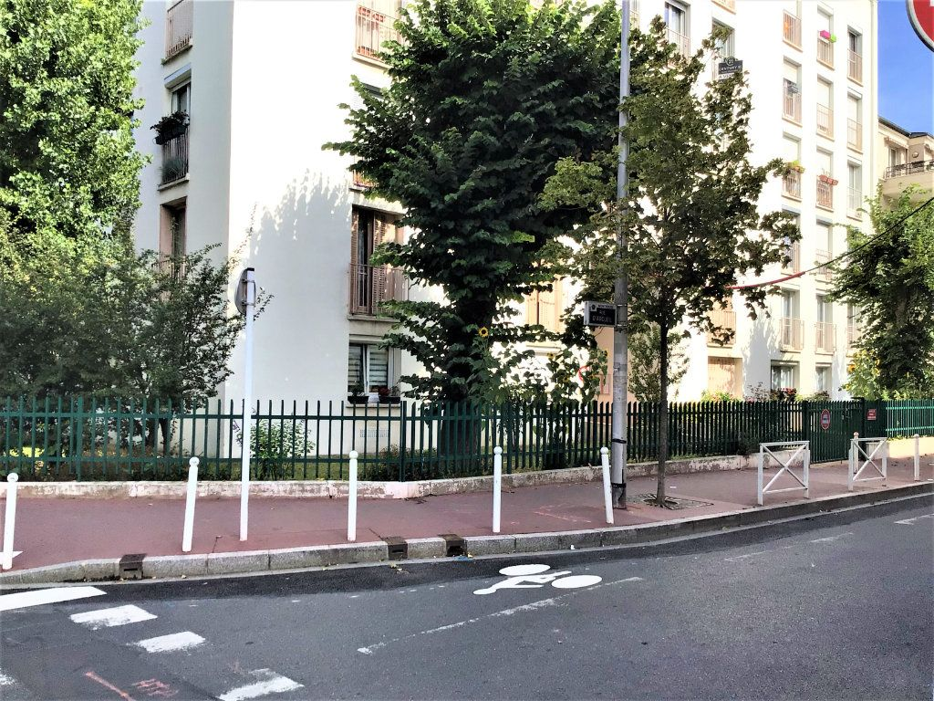 Appartement à louer 2 39m2 à Montrouge vignette-1